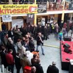 Zacky Tsoukas mit Publikum